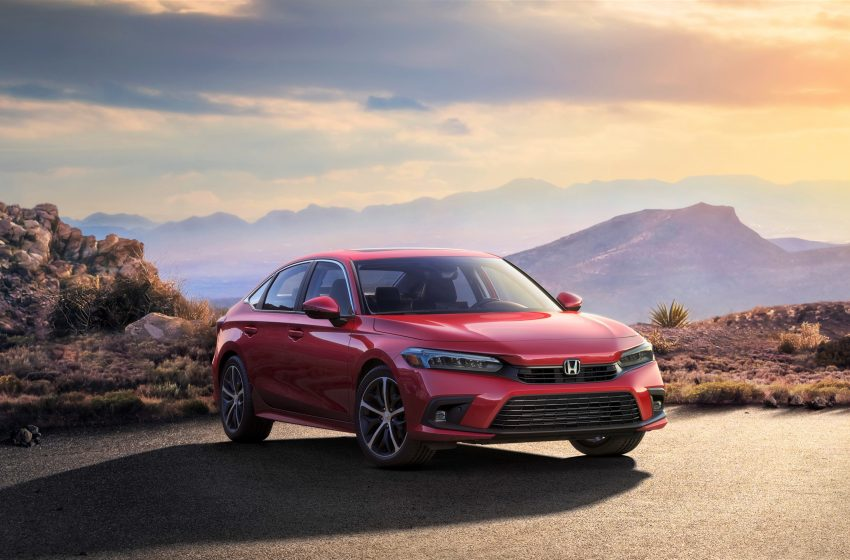 This is the slightly sportier, slightly more efficient 2022 Honda Civic