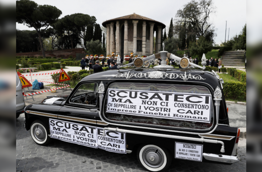 Funeral workers protest as Rome red tape causes bodies to pile up