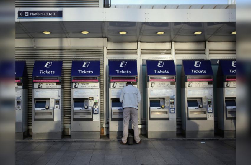 London Bridge station evacuated as police investigate suspicious item