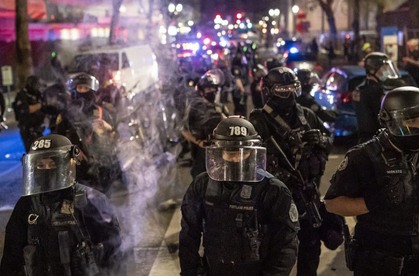 """Portland mayor asks residents to help """"unmask"""" people behind violent protests"""