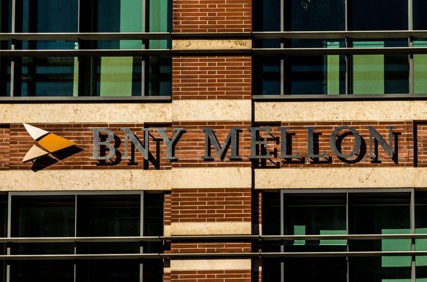 BNY Mellon's revenue tanks 5% in the fiscal first quarter