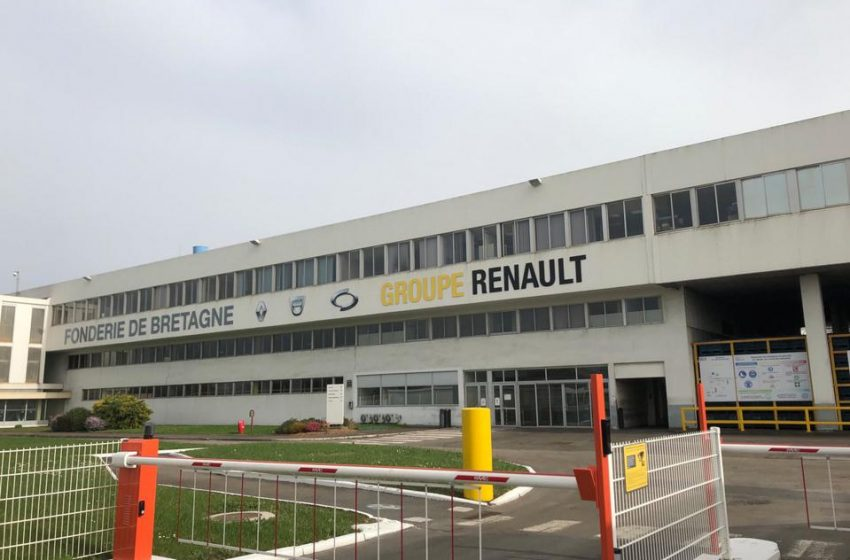 Renault Execs Taken Hostage By 350 Protesting French Foundry Workers