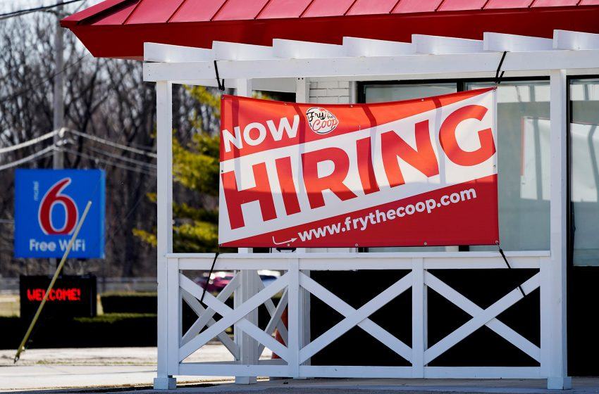 Workers file 547,000 new jobless claims in sign COVID layoffs are slowing