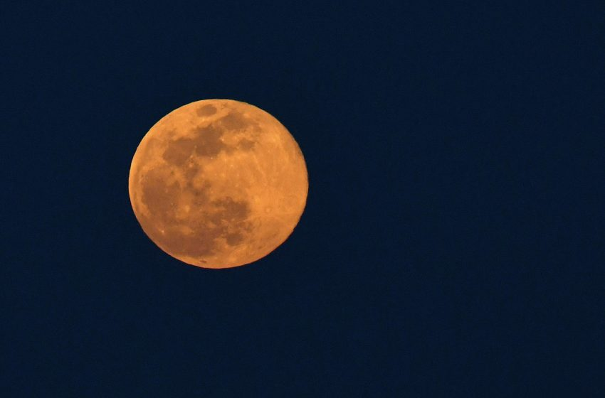 Spectacular 'pink supermoon' will hit the sky on Monday