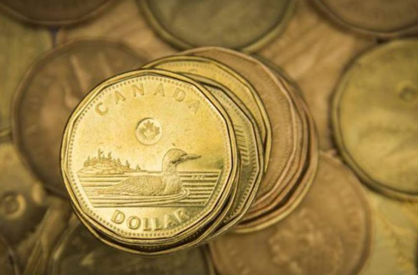 Why a strong Canadian dollar isn't an excuse to indulge in 'retail therapy'