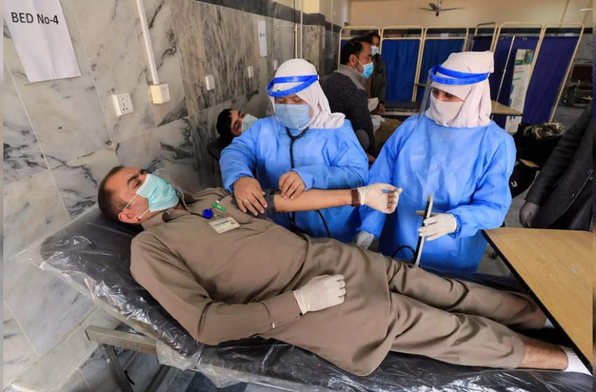 Pak reports single-day virus spike with over 6,000 cases