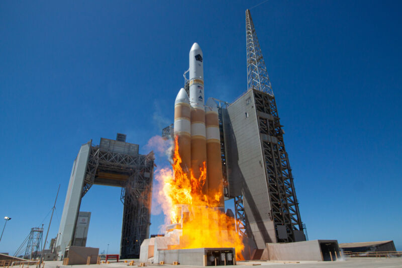 Rocket Report: Blue Origin protests Starship, China launches space station