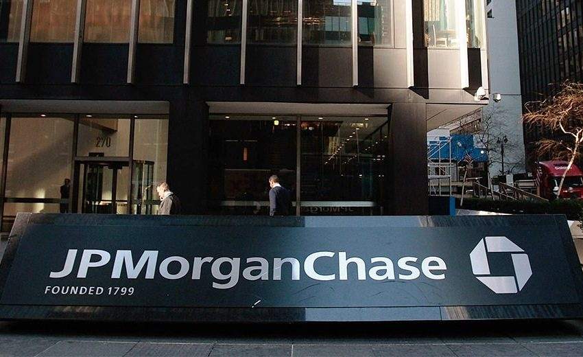 JPMorgan's Daniel Pinto says 'there is no reputational damage' to the bank from Super League backlash
