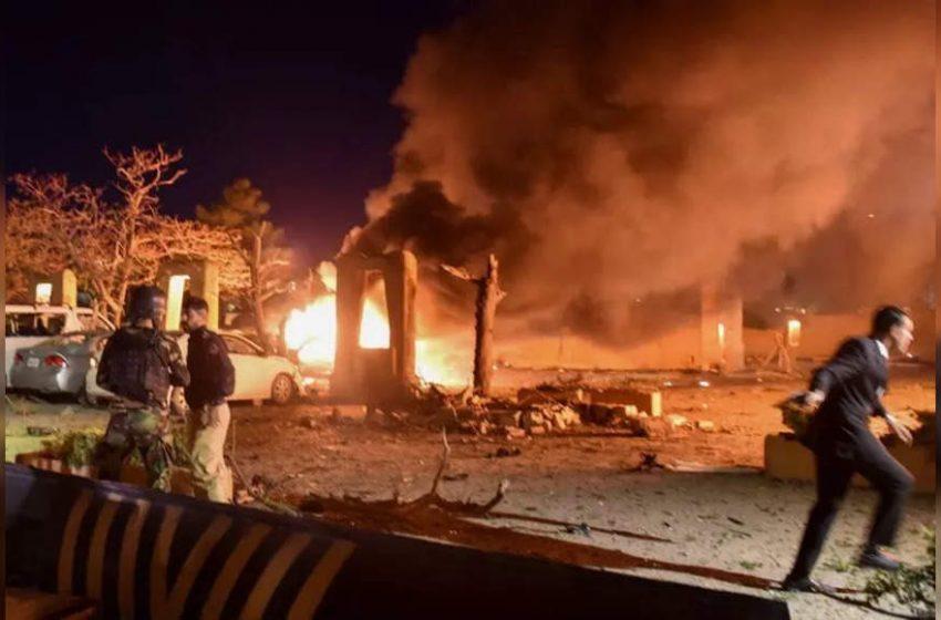 4 dead in deadly blast at Pak hotel hosting Chinese ambassador