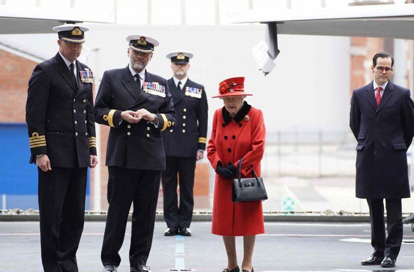 HMS Queen Elizabeth: Queen Elizabeth II visits carrier ahead of maiden deployment