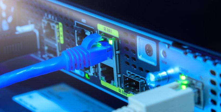 Breakeven On The Horizon For Hitech & Development Wireless Sweden Holding AB (publ) (STO:HDW B)