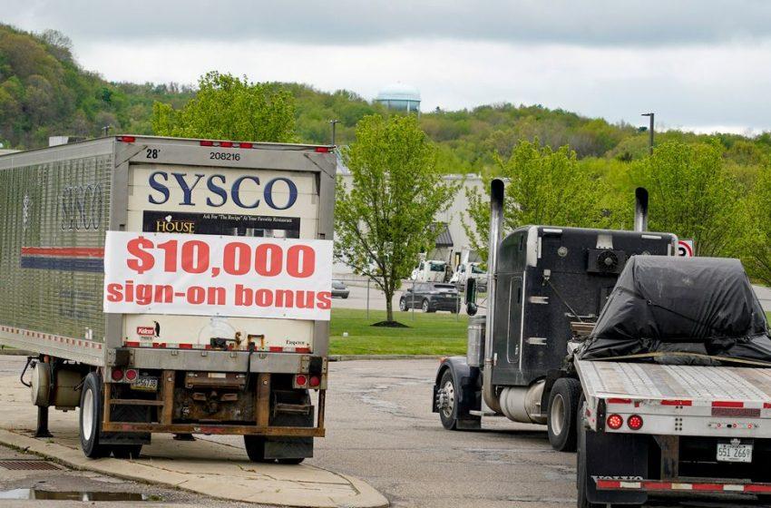 Weak U.S. jobs report spurs new arguments over big government spending