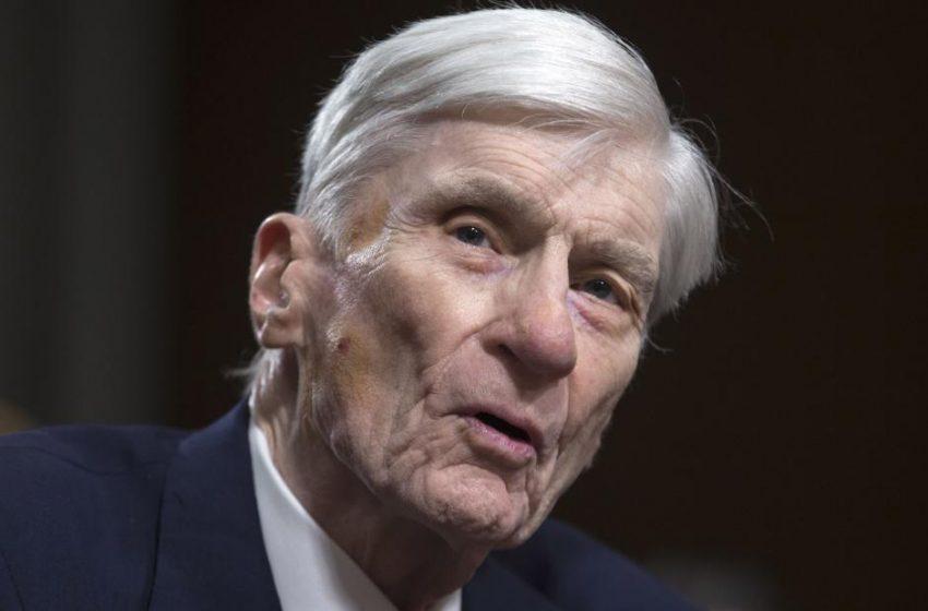 John Warner, longtime US senator from Virginia, dies at 94
