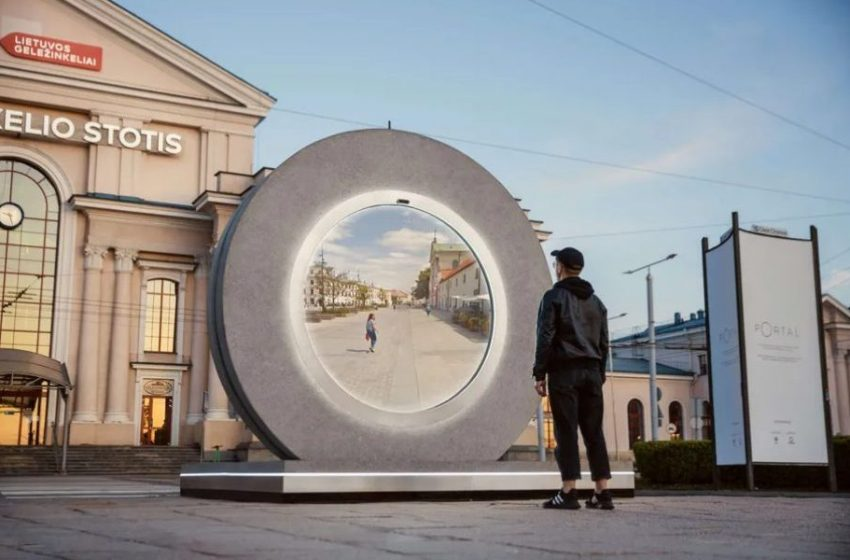 Lithuania & Poland Built a Portal that connects its people in Real-Time – Top Trending News