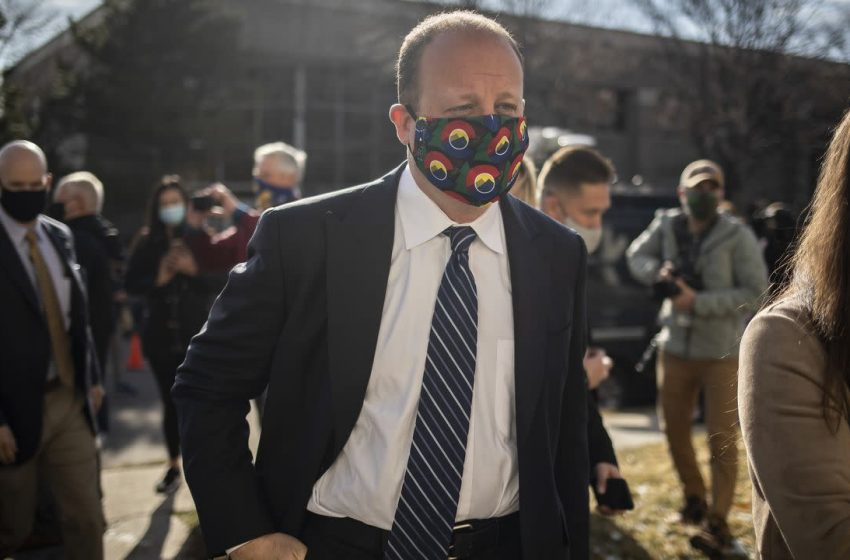 Colorado extends mask mandate while easing restrictions on people vaccinated against COVID