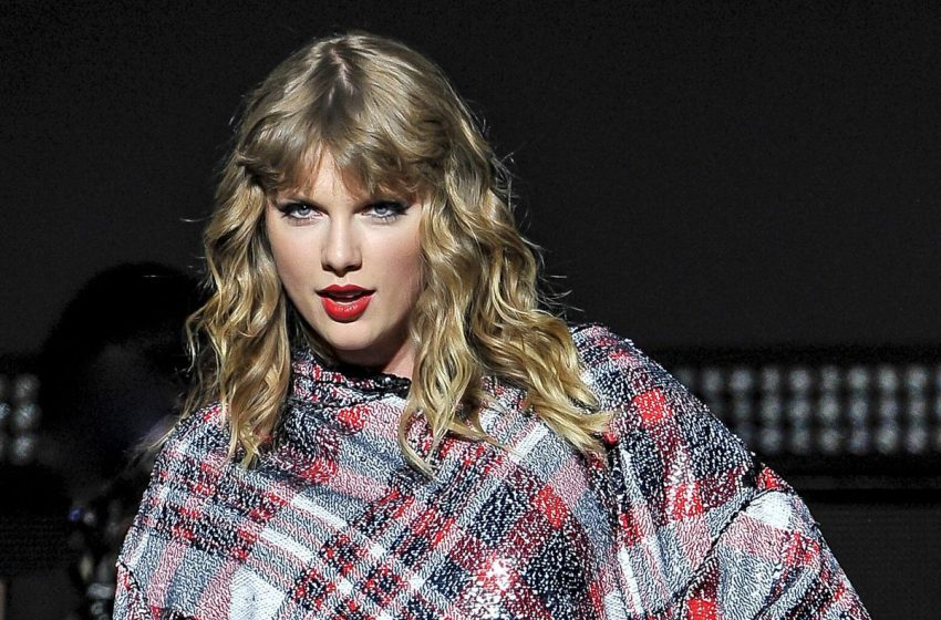 5 Ways Taylor Swift Made History With Her Latest No. 1 Album