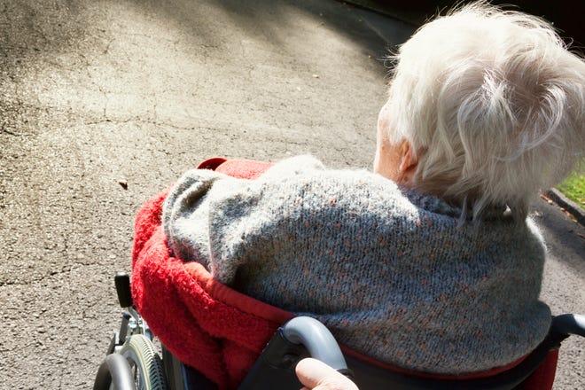 Okaloosa elder abuse case shows financial exploitation risk to seniors » Scammer News