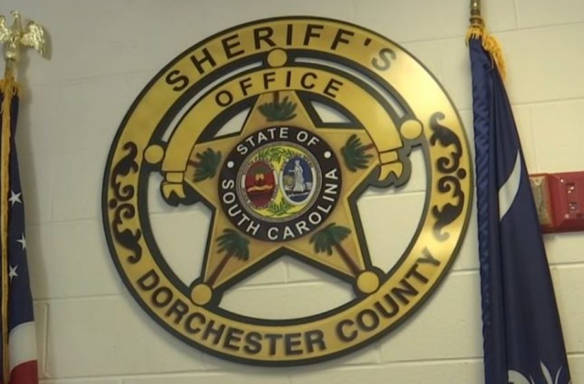 DCSO: Man in custody after threatening shoppers at Dollar General, cutting man with machete