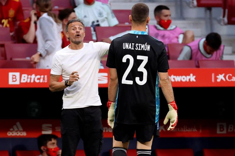 Kicked, the key to Unai Simon's success with Luis Enrique?