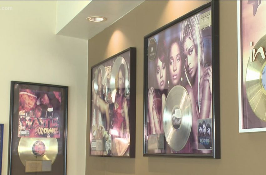 Scammers target young artists in Atlanta