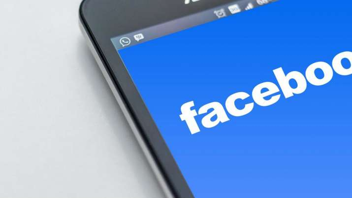Facebook likely to unveil smartwatch with two cameras
