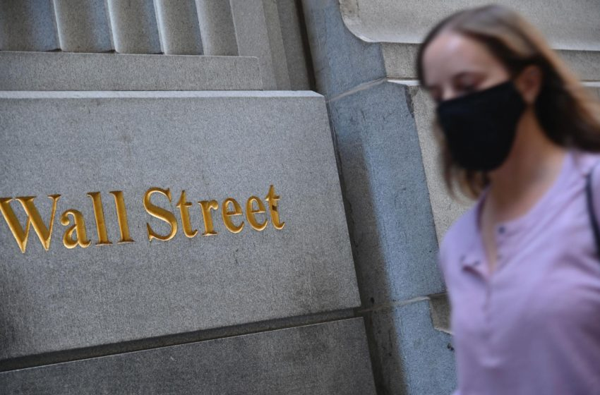 Stocks listless after unexpected jump in jobless claims