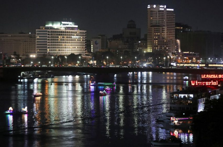 Egypt's economy to grow 5% in 2021-22 as rebound continues
