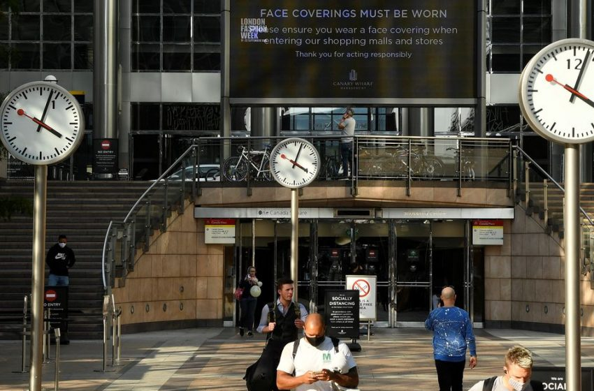 UK jobs leap as economy bounces back, pay jumps too