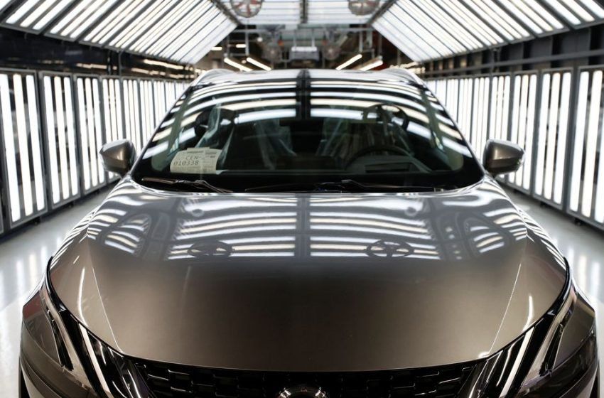 Nissan bets on UK 'renaissance' with battery plant and new vehicle