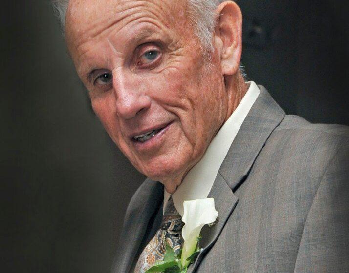 Lloyd W. Robinson, 88, prominent Kennebunk real estate broker and developer