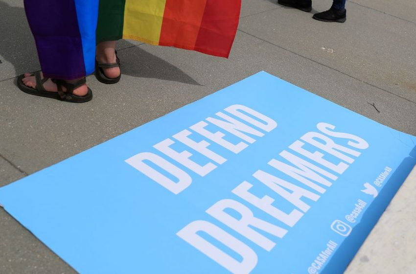 U.S. tech companies disappointed with DACA ruling, urge Congress to act