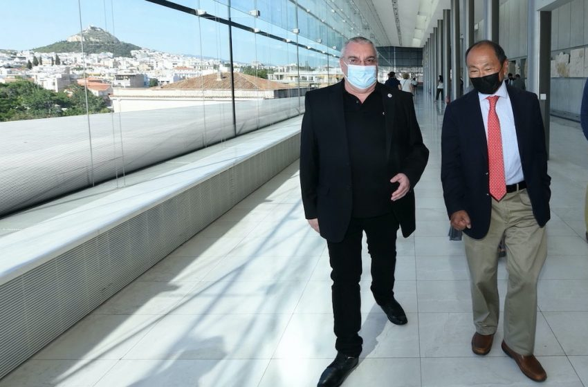 """""""End of History"""" Author Francis Fukuyama Honored in Greece"""