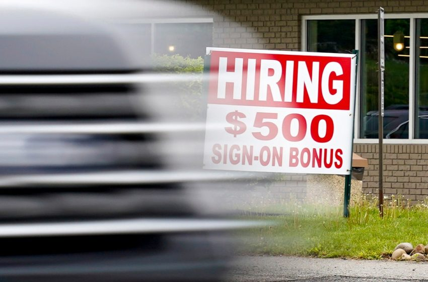 Worker shortage 'biggest issue' facing US economy this summer, Chamber of Commerce warns