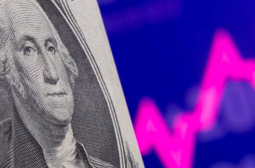 Dollar lost for direction awaiting Fed to set its path
