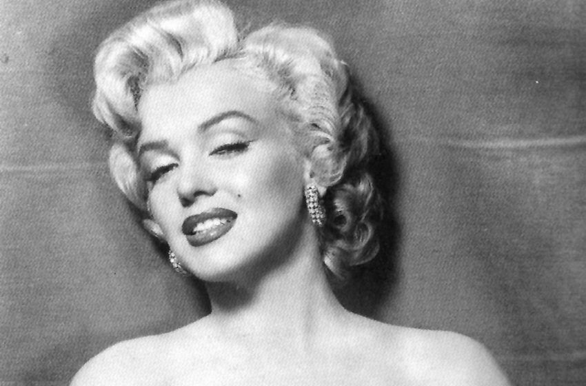 Art gang organised scam involving painting of Marilyn Monroe's lips at Bluewater gallery
