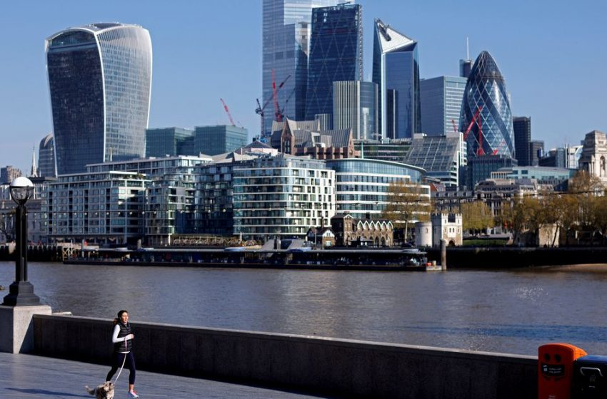 London takes aim at New York with five-year financial plan
