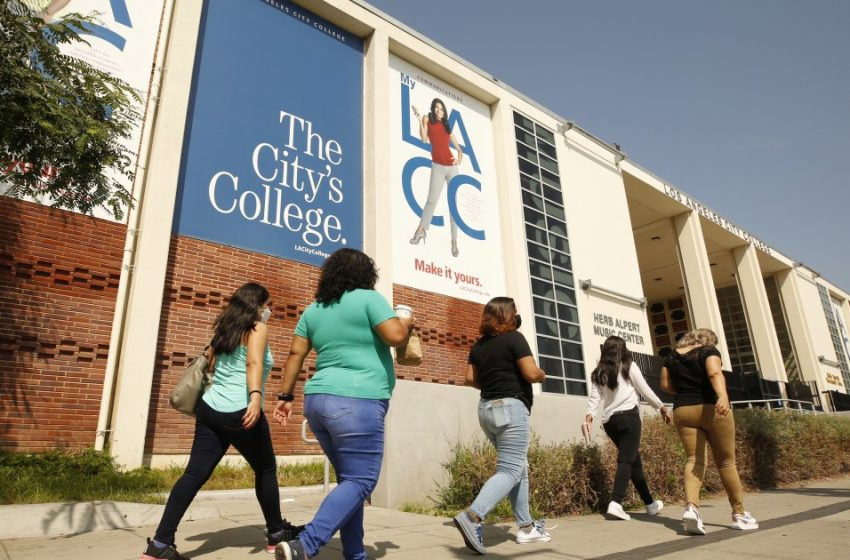 Attempted California college scam IDs 65,000 fake students