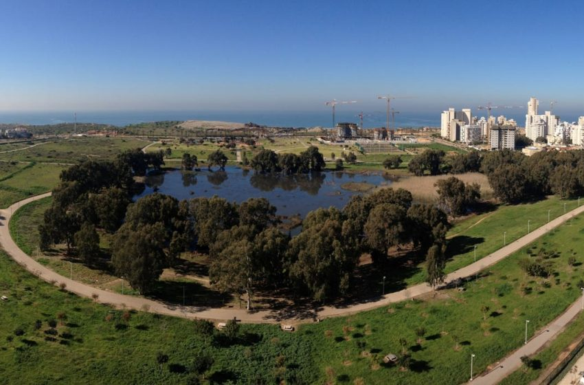 'Urban oasis': Lakes are becoming the latest trend of Israel's real estate market – Haaretz