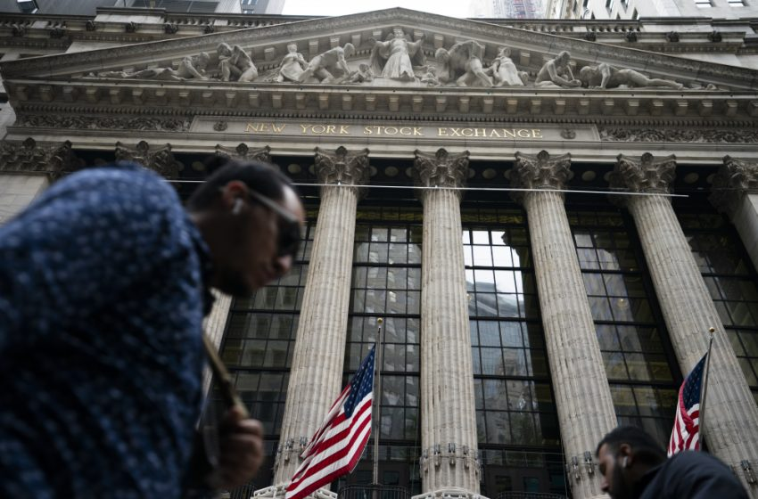 Stock indexes close lower as jobs data spark uncertainty