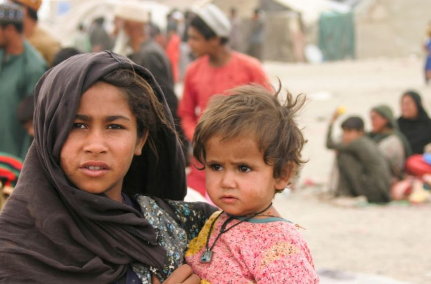 World should send pledged aid to Afghans to avert economic, refugee crisis -UNHCR