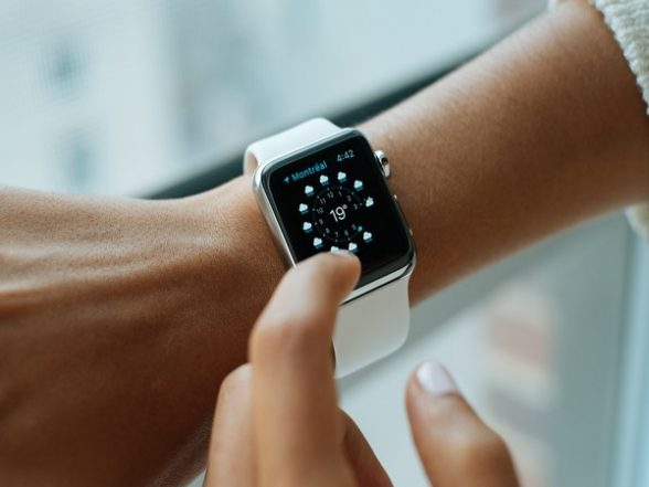 Tech News | Apple Series 6 Watch Discontinued from Official Lineup